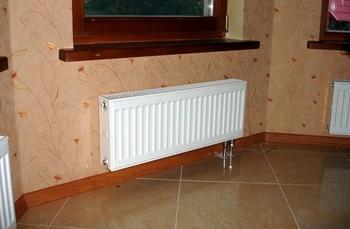 Монтаж стальных панельных радиаторов отопления